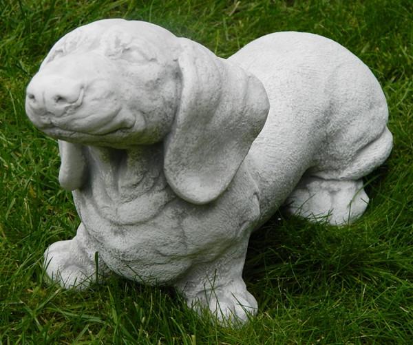 Beton Figur Dackel glatthaar stehend H 18 cm Dekofigur und Gartenfigur