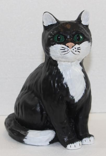 Dekorationsfigur Katze sitzend klein schwarz weiß gefleckt H 25 cm Tierfigur Katzenfigur Kunstharz