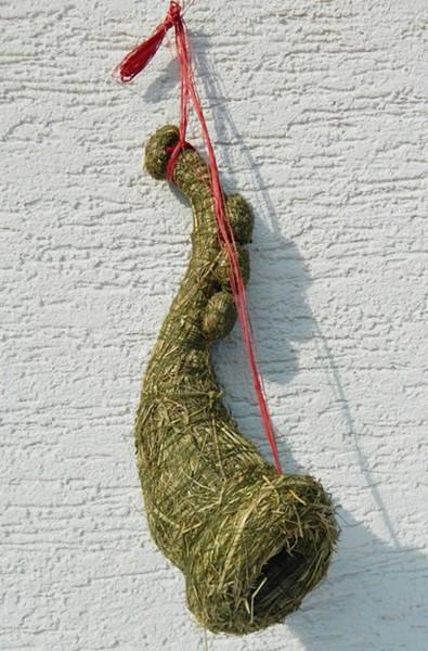 Deko Figur Trompete aus Heu zum Aufhängen und Ausdekorieren als Weihnachtsdekoration