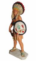Indianerfigur Indianer Rain in the Face Kriegshäuptling Skulptur 18cm stehend mit Schild in der Hand