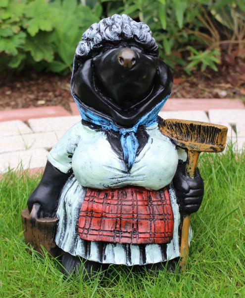 Dekorationsfigur Maulwurf Putzfrau H 30 cm stehend mit Gartenfigur aus Kunstharz