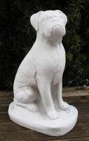 Beton Figur Hund Boxer sitzend H 32 cm Dekofigur und Gartenfigur