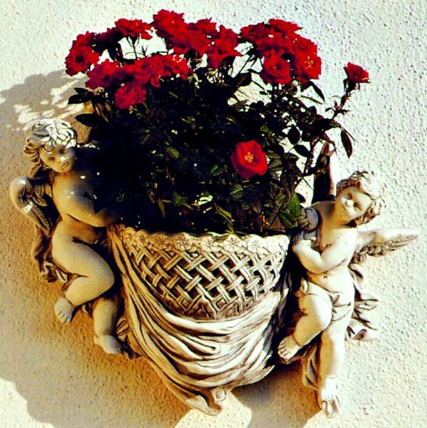 Deko Figur Pflanzgefäß Modell Cestino H 38 cm zwei Engel mit Pflanzkorb Dekofigur aus Kunststoff