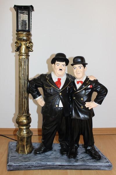 Dekofigur Dick und Doof stehend an el. Laterne Komiker Schauspieler Deko Figur H 75cm
