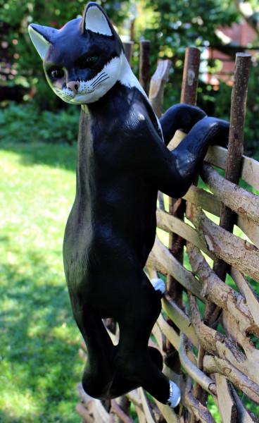 Dekofigur Gartenfigur Katze kletternd Kopf nach rechts H/L 63 cm Tierfigur Katzenfigur aus Kunstharz