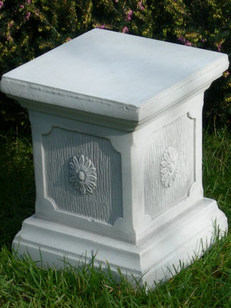 Beton Deko Figur Säule klassischer Stil H 25 cm Dekofigur Gartenskulptur Sockel aus Beton