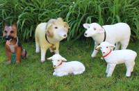 Deko Garten Figur Gartenfigur Tierfigur Schäferhund, Schafbock, Schaf, zwei Lämmlein aus Kunststoff