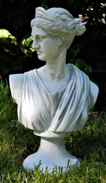 Beton Figur Büste Paolina H 31 cm Dekofigur und Gartenskulptur aus Beton