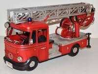 Blechauto Nostalgie Modellauto Oldtimer Mercedes-Benz L 405 Feuerwehr Drehleiter aus Blech L 38 cm