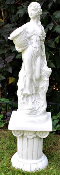 Deko Figur Statue Frau Otgera mit Korb auf ionischer Säule H 98 cm 2-teilig Skulptur aus Kunststoff