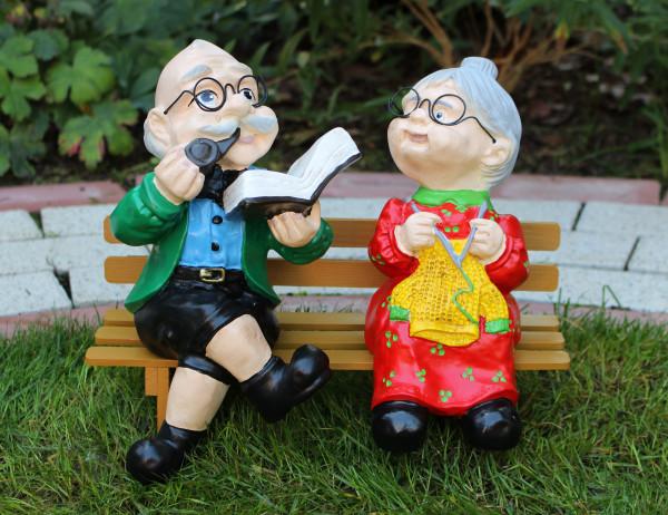 Dekorationsfigur Oma und Opa Großeltern auf Bank H 28 cm Gartenfiguren Dekofiguren aus Kunstharz