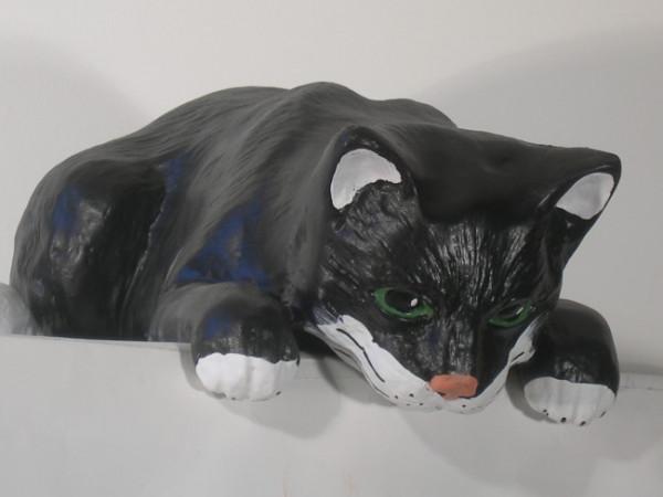 Dekorationsfigur Katze liegend L 43 cm Gartenfigur Dekofigur Tierfigur aus Kunstharz