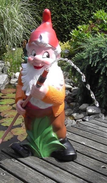 Gartenzwerg mit Schlauch Figur Zwerg H 86 cm Gartenfigur aus Kunststoff