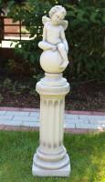 Beton Figur Skulptur Engel auf Ionischer Säule H 85 cm klassische Deko Statue Gartenskulptur