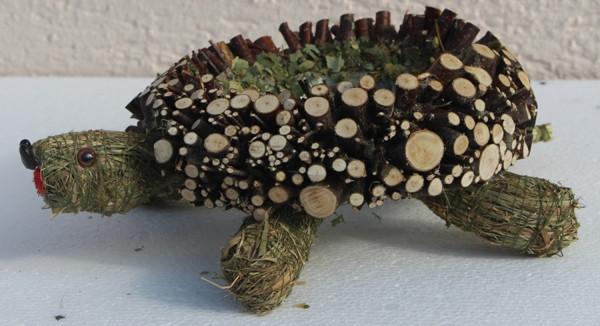 Deko Figur Schildkröte liegend L 20 cm Figur zum Bepflanzen aus Naturmaterial Heu und Reisig