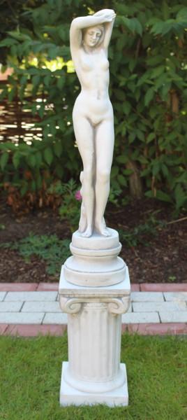 Beton Figuren Statue junge Frau Frauenakt auf ionischer Säule H 99 cm Dekofiguren Gartenskulpturen