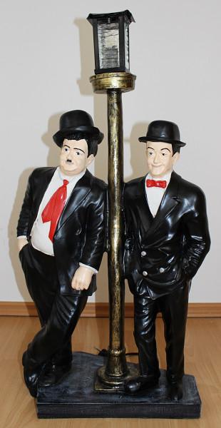 Dekofigur Dick und Doof stehend an el. Laterne Komiker Schauspieler H 81cm