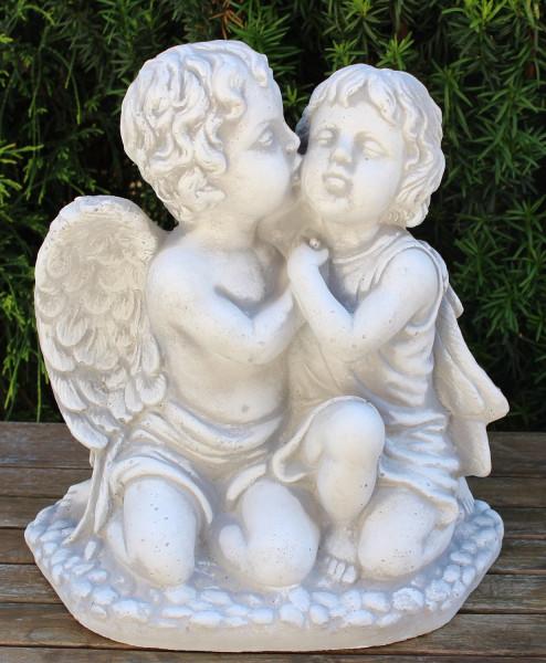 Deko Figur Statue Engel mit Mädchen Pärchen umarmt küssend H 33 cm Dekofigur Gartenskulptur Beton