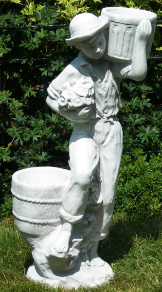 Beton Figuren Junge mit Töpfen auf klassischer Säule Dekofiguren und Gartenskulpturen