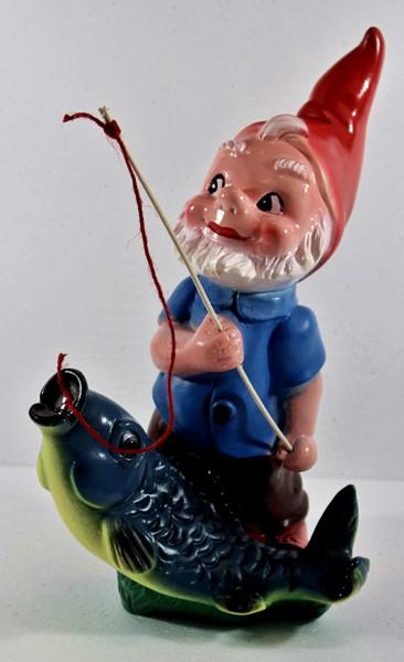 Gartenzwerg Angler mit Fisch Figur Zwerg H 36 cm Gartenfigur aus Kunststoff