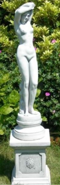 Beton Figuren Statue Skulptur junge Frau Frauenakt auf klassischer Säule H 91 cm Gartenskulpturen