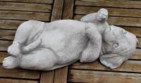 Beton Figur Hund Rottweiler Welpe liegend auf Rücken L 42 cm Hundedekoration Dekofigur Gartenfigur